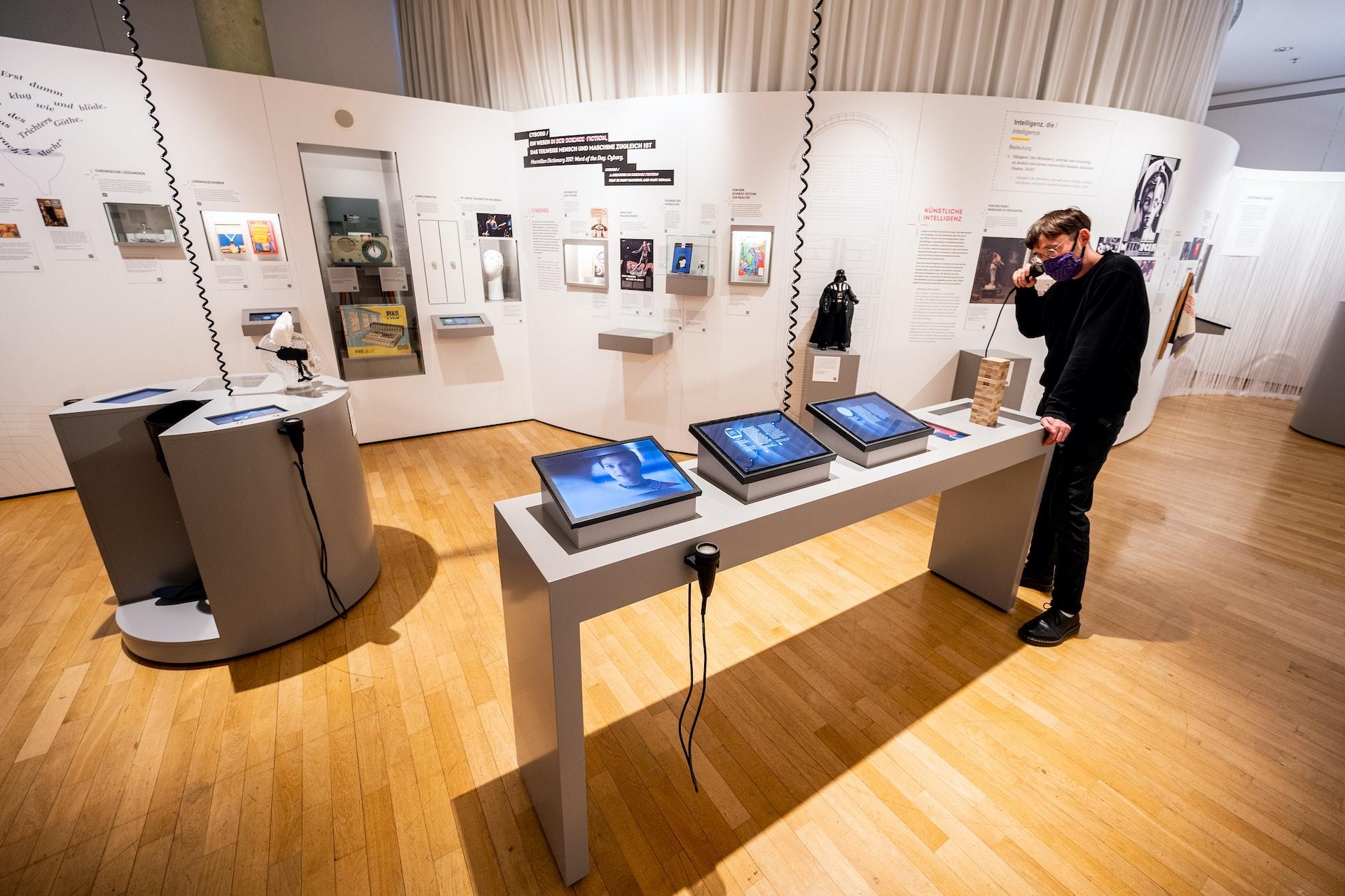 Museum für Kommunikation, Ausstellung Back to Future, Foto: MSPT/Sven Moschitz